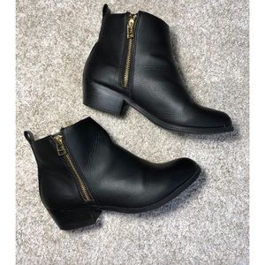 SM New York Mojave Ankle Booties